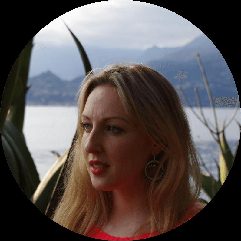 Елена, специалист по контекстной рекламе и веб-аналитике, фрилансер